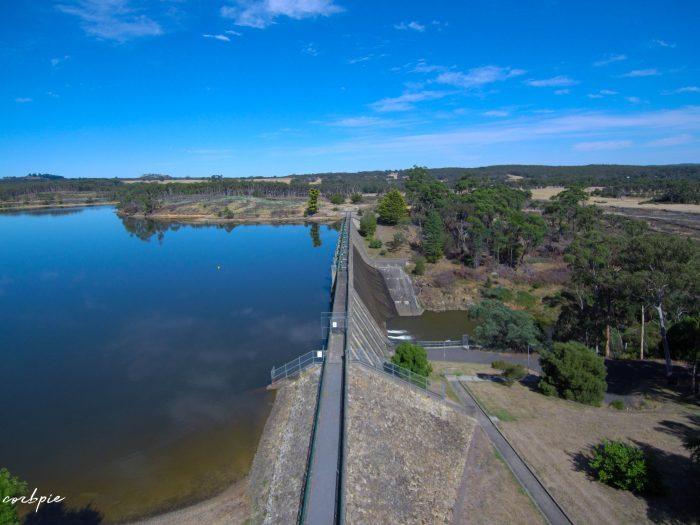 Lauriston reservoir dam wall side on