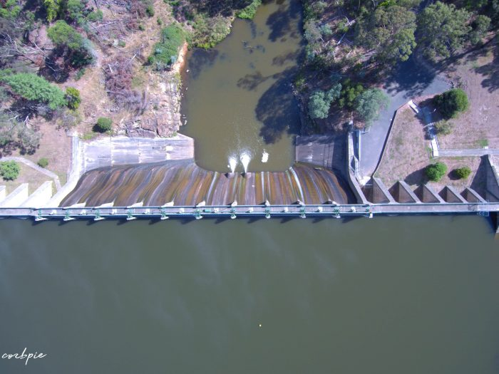 Lauriston reservoir dam wall from above